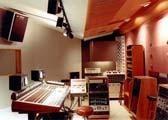 Resultado final de diseño de estudio de grabación profesional